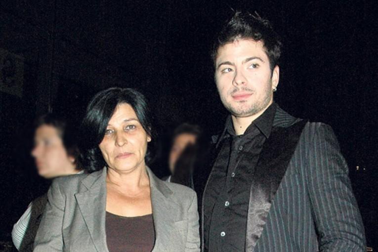 """""""Не одам на неговиот гроб и не ги пуштам неговите песни"""": Љиљана Петровиќ проговори 10 години по смртта на Тоше!"""