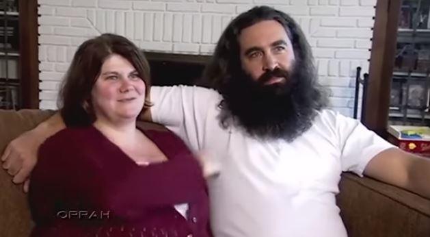 (Видео) Нејзиниот сопруг не се бричел 15 години, кога го видела среден и без брада занемела