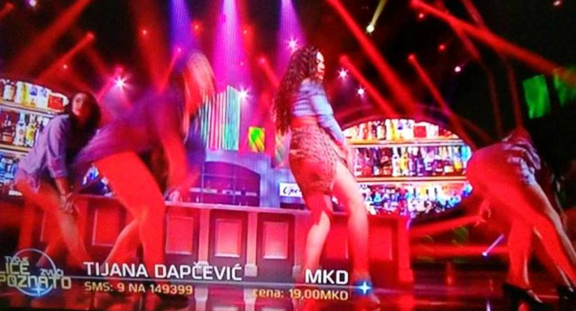 (ФОТО) На шанк со текила и лимон во ТЛЗП: Елена Ристеска го соблече горниот дел од костимот, публиката имаше што да види!